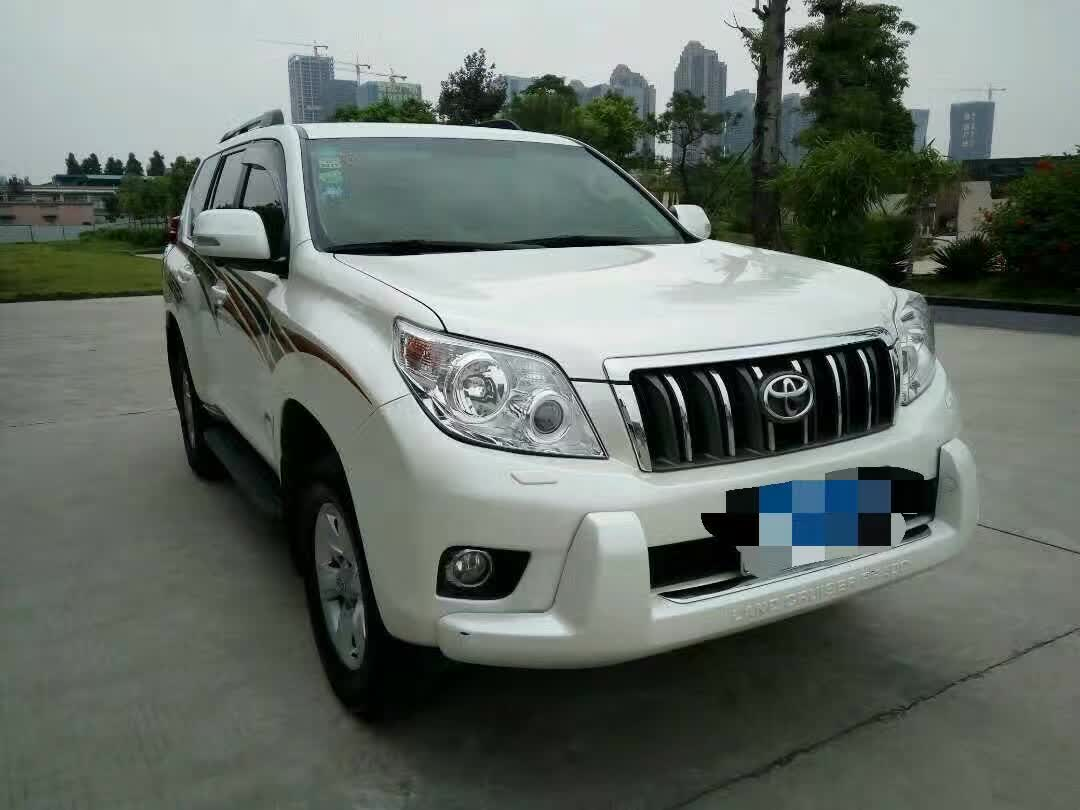 出售2013年丰田霸道2700
